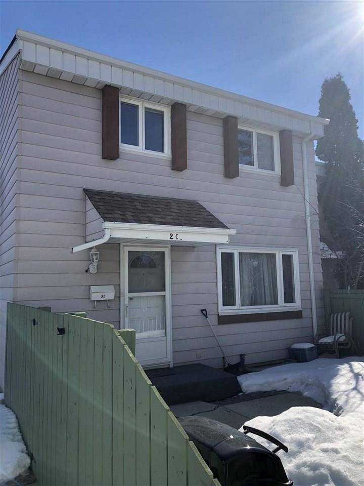 Townhouse for sale at 2 Callingwood Ct Nw Edmonton Alberta - MLS: E4182664