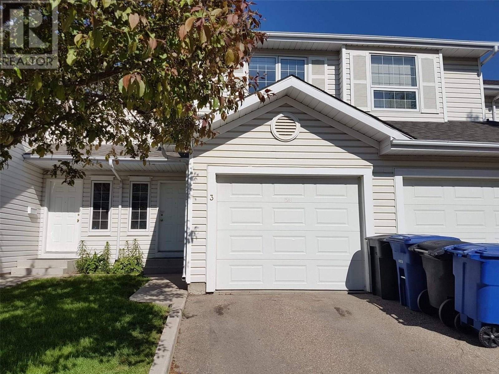 Townhouse for sale at 110 Keevil Cres Unit 3 Saskatoon Saskatchewan - MLS: SK779368