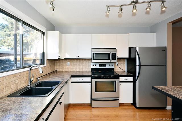 Buliding: 1283 Bernard Avenue, Kelowna, BC