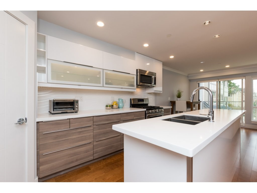 For Sale: 1466 Everall Street, White Rock, BC | 3 Bed, 4 Bath Townhouse for $999,000. See 20 photos!