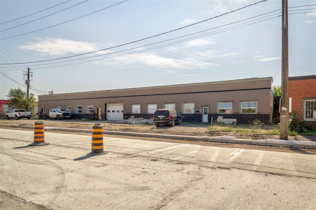 Commercial property for lease at 1700 Brampton St Apartment 3 Hamilton Ontario - MLS: H4064177