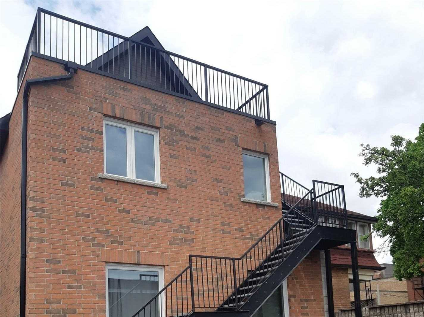 For Rent: 3 - 1715 Dufferin Street, Toronto, ON   2 Bed, 2 Bath House for $2750.00. See 14 photos!