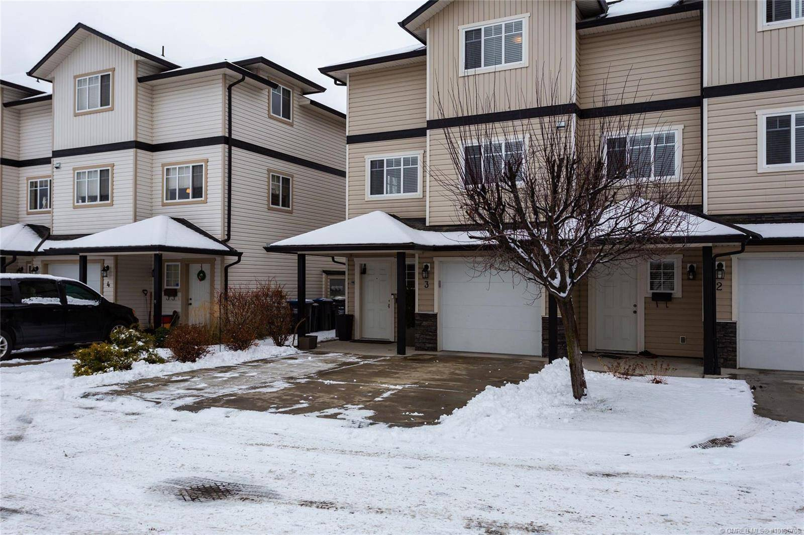 Townhouse for sale at 180 Mccurdy Rd East Unit 3 Kelowna British Columbia - MLS: 10196706