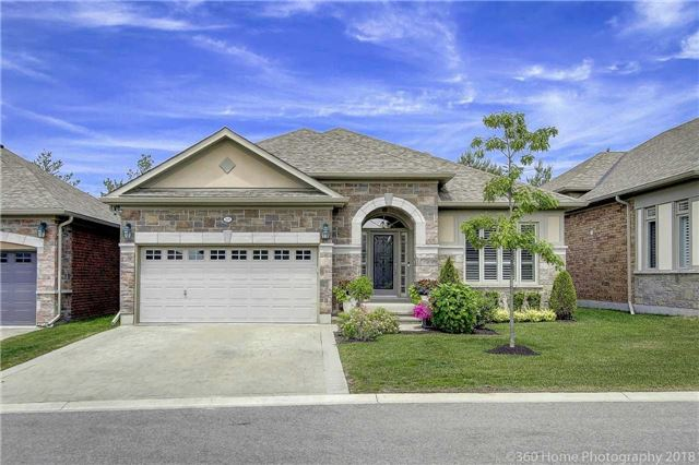 For Sale: 205 Ridge Way, New Tecumseth, ON   2 Bed, 3 Bath Townhouse for $988,888. See 20 photos!