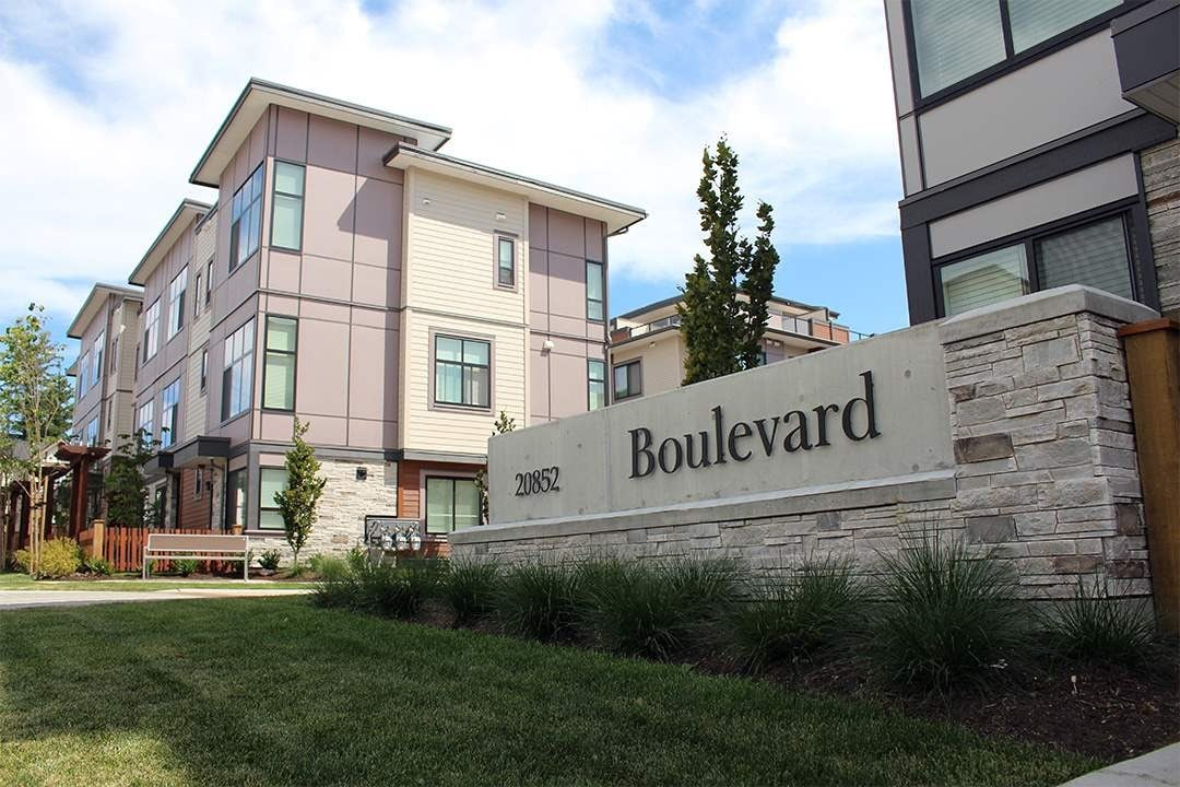 Buliding: 20852 78b Avenue, Langley, BC