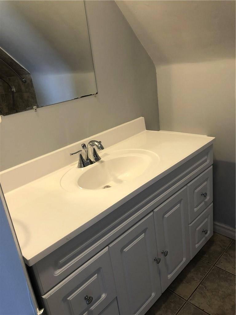 Apartment for rent at 259 Victoria Ave N Unit 3 Hamilton Ontario - MLS: H4077226