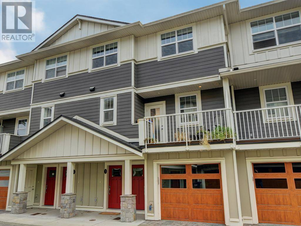 Townhouse for sale at 3356 Whittier Ave Unit 3 Victoria British Columbia - MLS: 417261