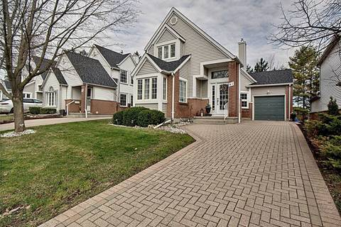 Townhouse for sale at 41 Quinte Cres Kitchener Ontario - MLS: X4437699
