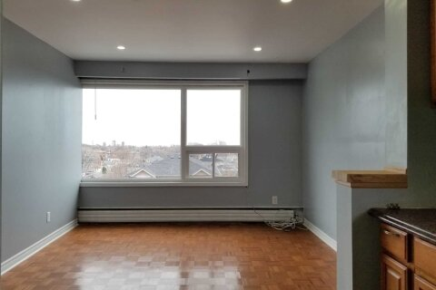 Townhouse for rent at 58 Cameron Ave Unit 3 Toronto Ontario - MLS: W5071653