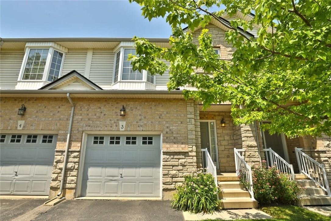 Townhouse for sale at 60 Cloverleaf Dr Unit 3 Ancaster Ontario - MLS: H4081830