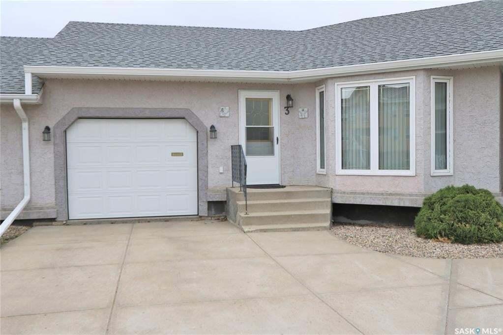 Townhouse for sale at 66 Russell Dr Unit 3 Yorkton Saskatchewan - MLS: SK813528
