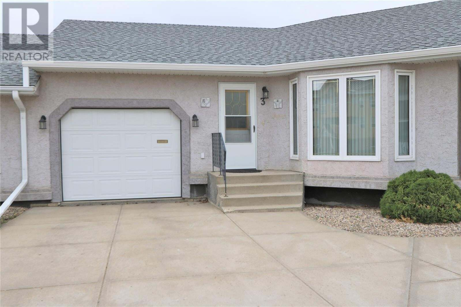 Townhouse for sale at 66 Russell Dr Unit 3 Yorkton Saskatchewan - MLS: SK828622