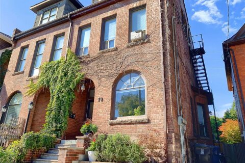 Townhouse for sale at 70 Dupont St Unit 3 Toronto Ontario - MLS: C4962459