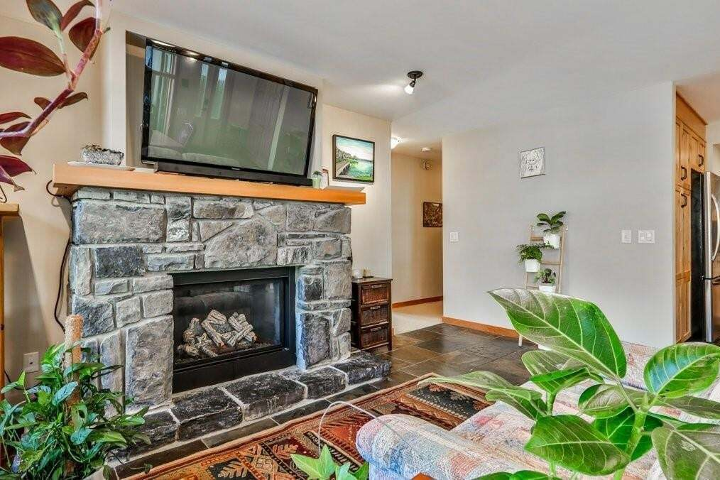 Condo for sale at 722 3rd St Unit 3 South Canmore, Canmore Alberta - MLS: C4294680