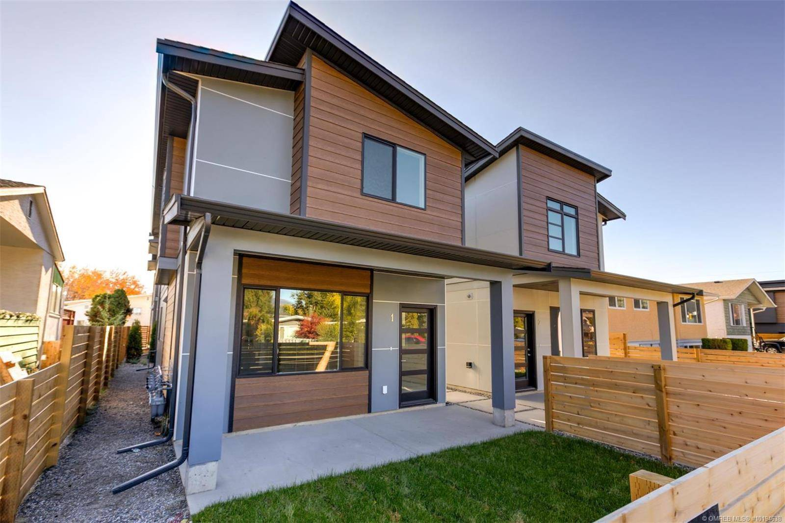 Townhouse for sale at 771 Raymer Ave Unit 3 Kelowna British Columbia - MLS: 10194638