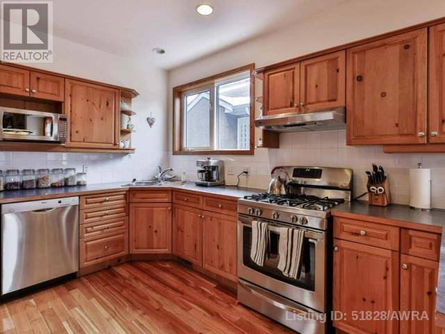 3 - 813 6th Street, Canmore | Image 2