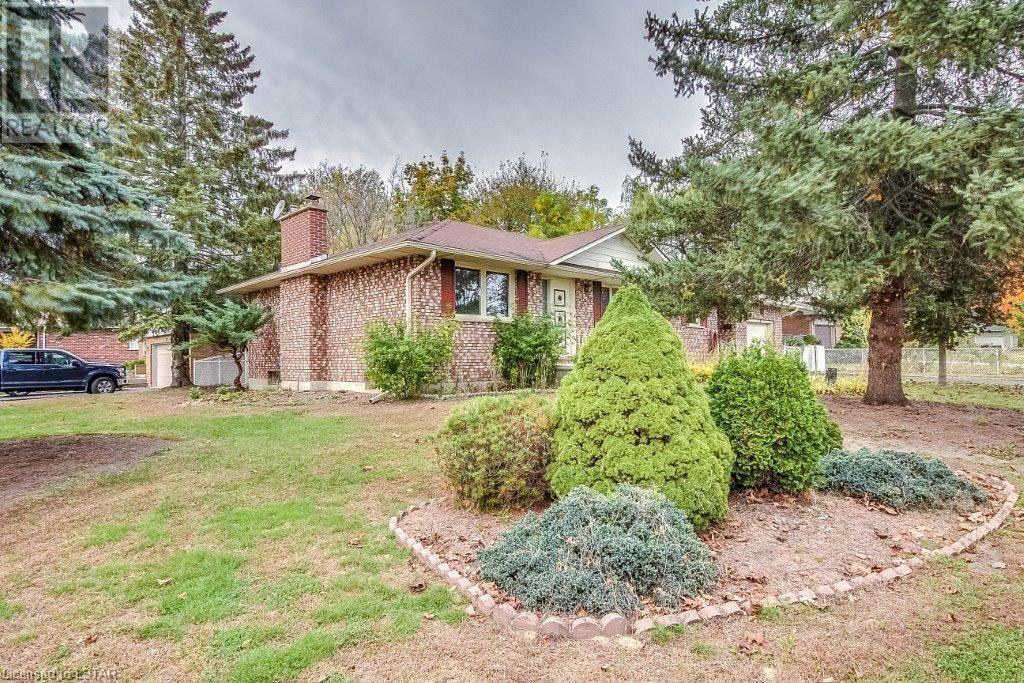 House for sale at 3 Alba Ave Tillsonburg Ontario - MLS: 228597