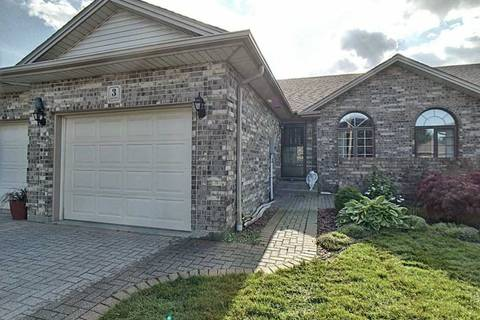 Townhouse for sale at 3 Ashley Cres Leamington Ontario - MLS: X4486772
