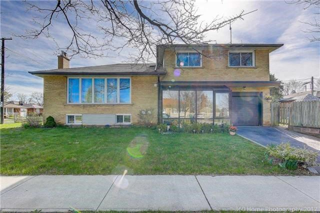 Sold: 3 Bainhart Crescent, Toronto, ON