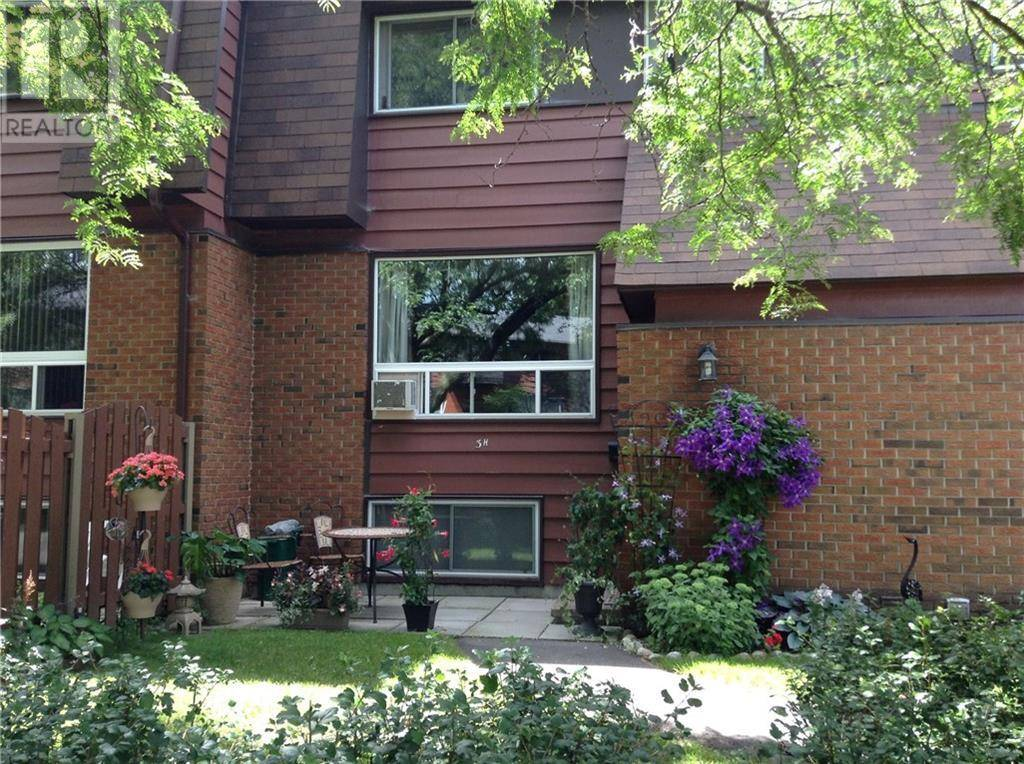 Townhouse for sale at 3 Banner Rd Ottawa Ontario - MLS: 1188284