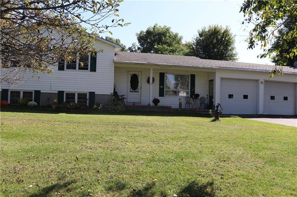 House for sale at 3 Basswood Cres Smiths Falls Ontario - MLS: 1170160