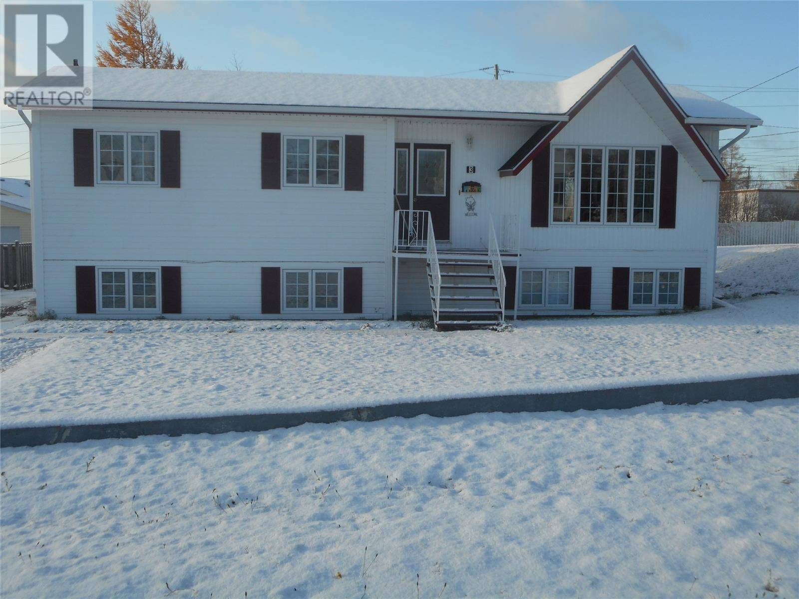 House for sale at 3 Bishop St Grand Falls-windsor Newfoundland - MLS: 1207128