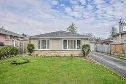 House for sale at 3 Blackbush Dr Toronto Ontario - MLS: W4517715