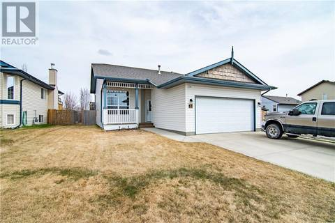 House for sale at 3 Cameron Cs Lacombe Alberta - MLS: ca0165459