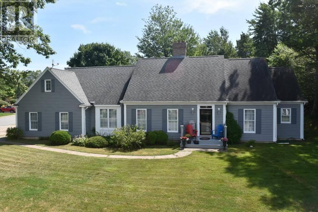 House for sale at 3 Dalhousie Ave Kentville Nova Scotia - MLS: 201920613