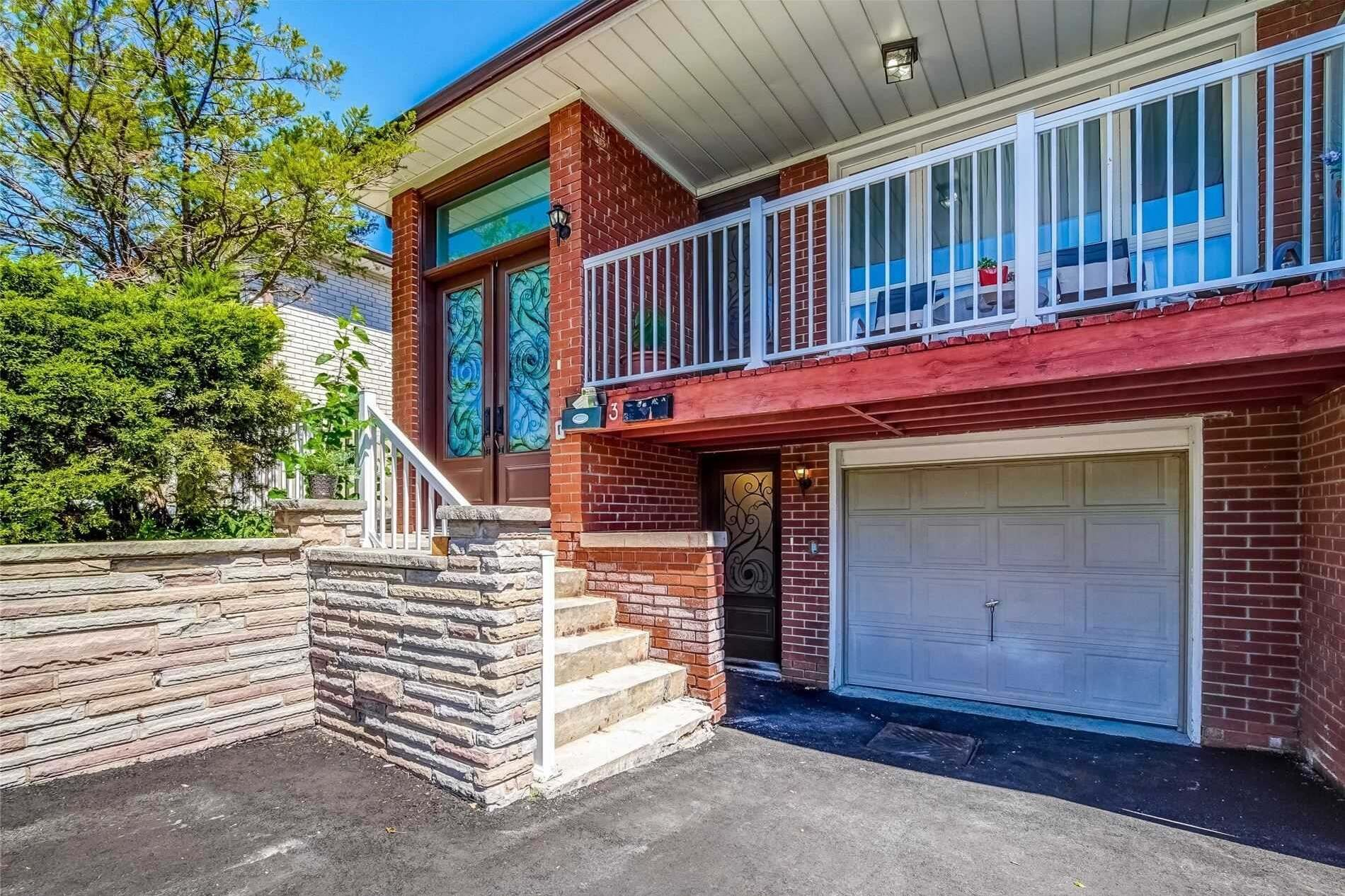 Townhouse for sale at 3 Deaconwood Rd Toronto Ontario - MLS: C4915677