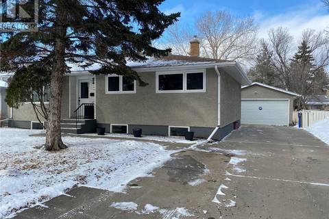 House for sale at 3 Deergrove Cres Regina Saskatchewan - MLS: SK801468
