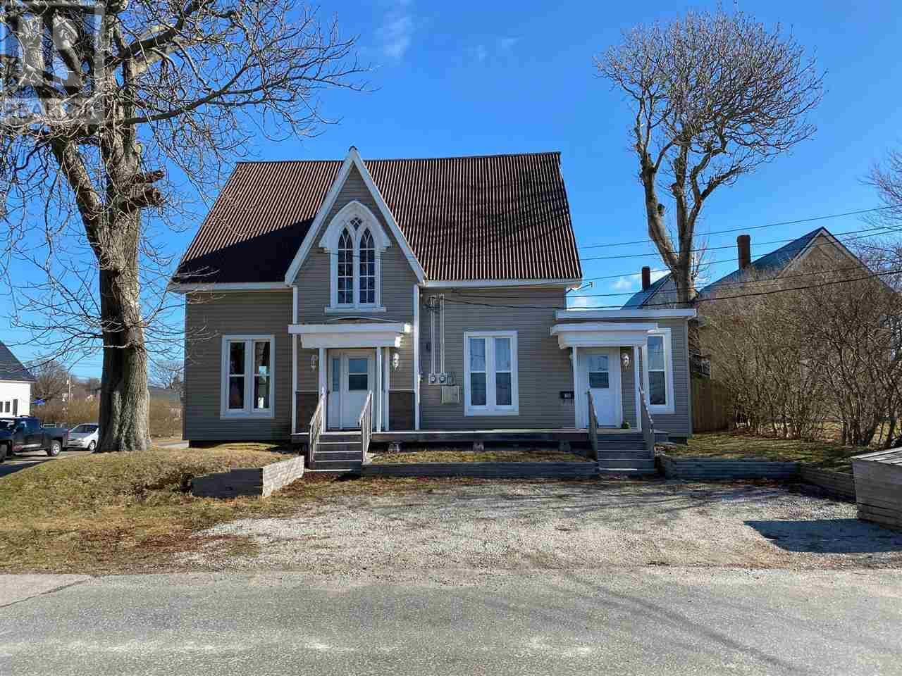 Townhouse for sale at 3 East St Yarmouth Nova Scotia - MLS: 202002505