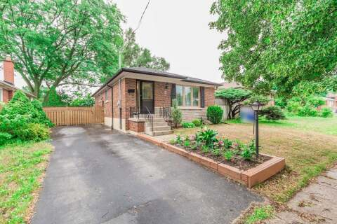 House for sale at 3 Hogan Dr Toronto Ontario - MLS: E4860266