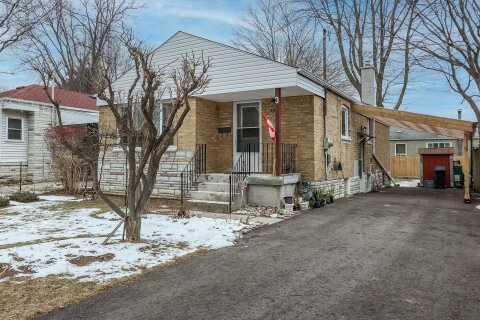House for sale at 3 Homestead Rd Toronto Ontario - MLS: E5082317