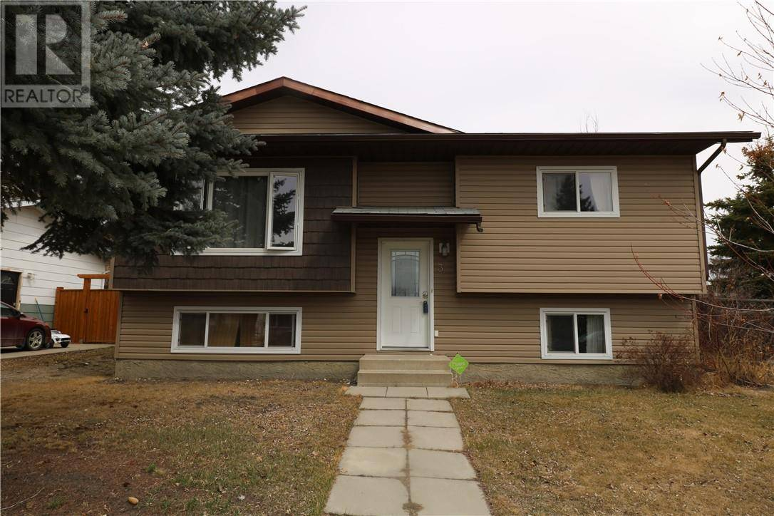 House for sale at 3 Maple By Lacombe Alberta - MLS: ca0190525