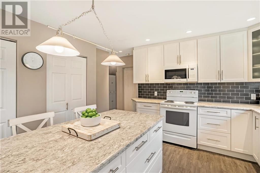 Removed: 3 Price Road, Victoria, BC - Removed on 2019-11-17 05:24:07