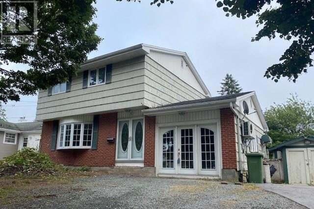 House for sale at 3 Shawinigan Rd Dartmouth Nova Scotia - MLS: 202015701