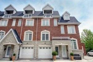 Townhouse for sale at 3 Strawflower Me Toronto Ontario - MLS: C4462590