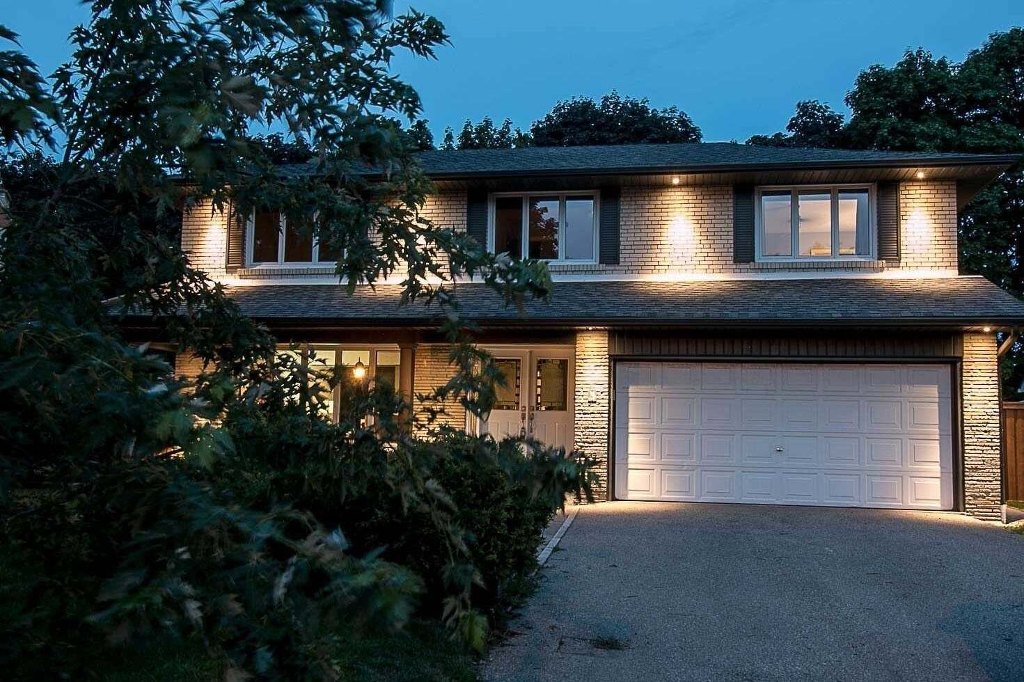 House for sale at 3 Streatham Pl Toronto Ontario - MLS: W4861337