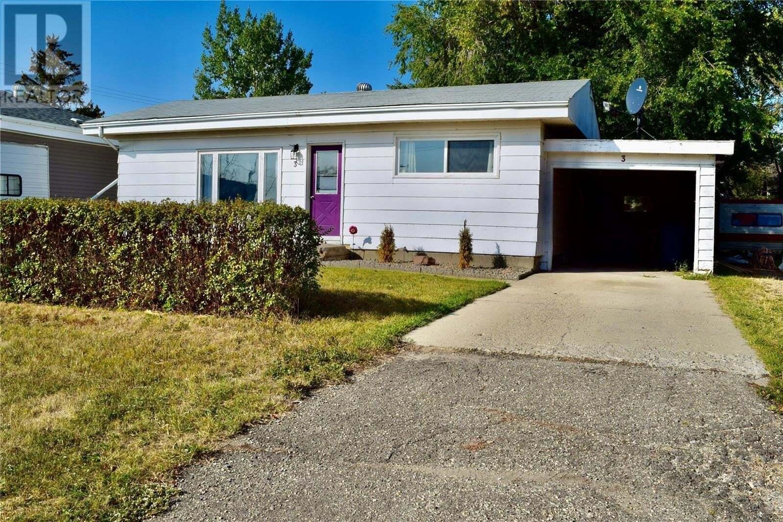 House for sale at 3 Wauchope St Redvers Saskatchewan - MLS: SK827366