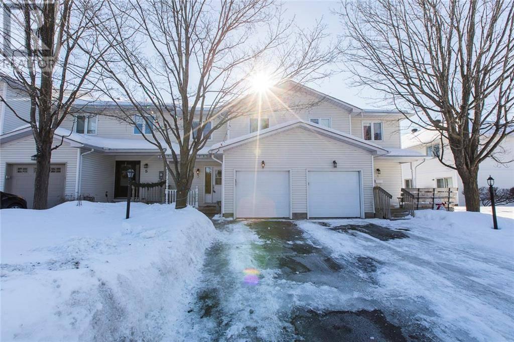 Townhouse for sale at 3 White Cedar St Stittsville Ontario - MLS: 1182972