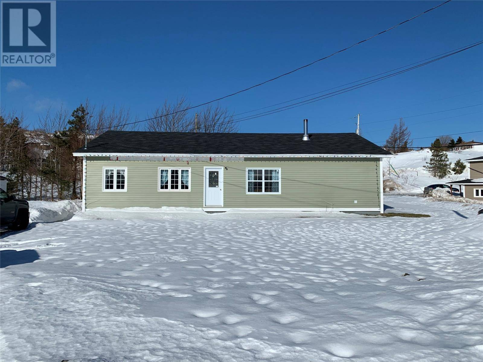 House for sale at 30 Back Rd Upper Island Cove Newfoundland - MLS: 1211224