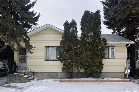 House for sale at 30 3rd Ave NE Swift Current Saskatchewan - MLS: SK797584