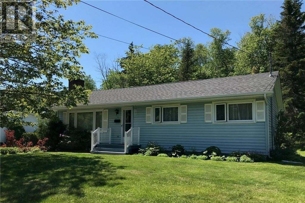 House for sale at 30 Broadway St Rothesay New Brunswick - MLS: NB045046