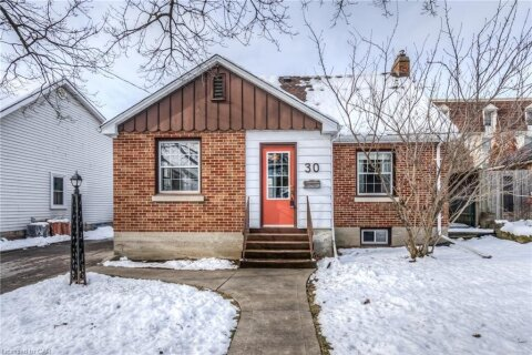 House for sale at 30 Centre St Cambridge Ontario - MLS: 40042411
