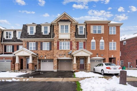 Townhouse for sale at 30 Commuter Dr Brampton Ontario - MLS: W5002290