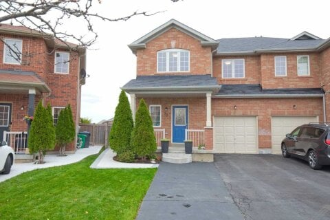 Townhouse for sale at 30 Flurry Circ Brampton Ontario - MLS: W4969893