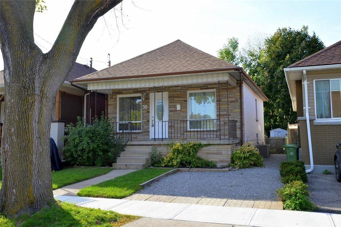 House for sale at 30 Graham Ave S Hamilton Ontario - MLS: H4065954