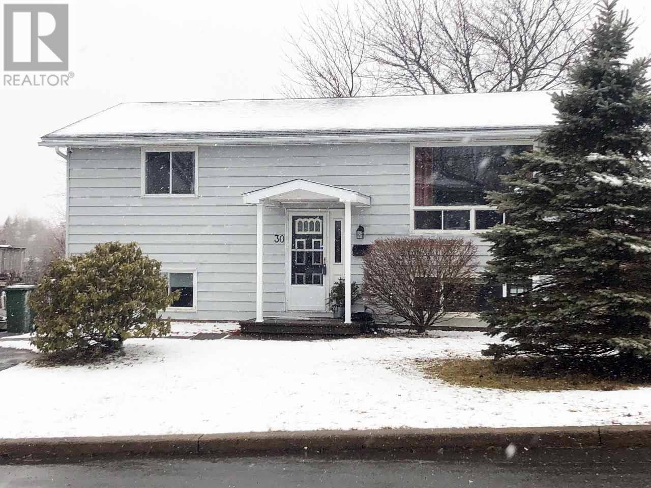 House for sale at 30 Inglewood Cres Dartmouth Nova Scotia - MLS: 202005483