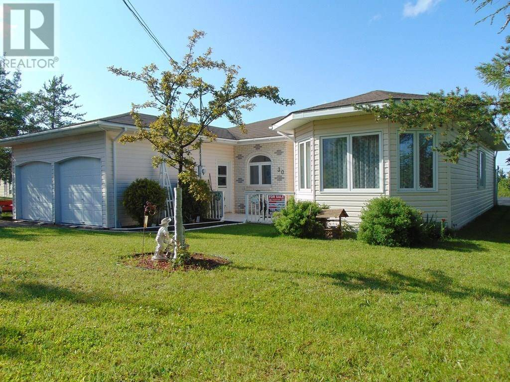 House for sale at 30 Kingsridge Rd Botwood Newfoundland - MLS: 1190712